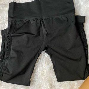 Forever 21 workout Capri pants